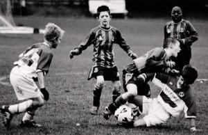 """Mia Brandt Pedersen Dansk Nikon Klub """"Fodbold"""" (serie, 3 af 4) Bedste essay"""