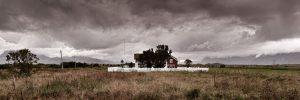 Det-lille-hus-og-brune-skyer---Torkil-Michelsen---Esbjerg-Fotoklub