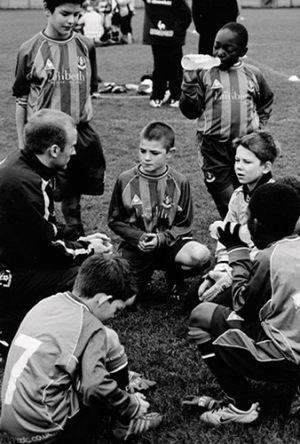 """Mia Brandt Pedersen Dansk Nikon Klub """"Fodbold"""" (serie, 2 af 4) Bedste essay"""