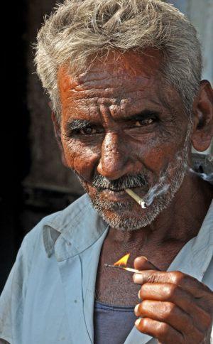 Smoking-worker---William-Gaarde-Nissen---Torstorp-fotoklub