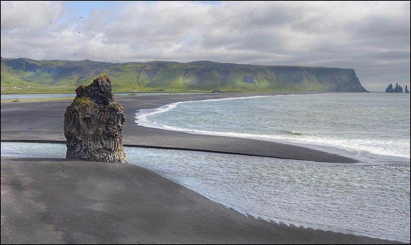 Klippe ved kyst.jpg